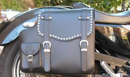 REAL LEATHER SADDLEBAG STUDDED SPORTSTER RIGHT SIDE  2004-UP MODELS