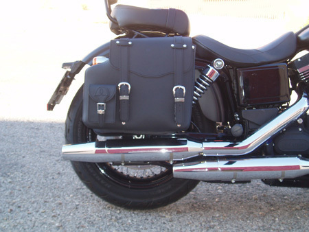 REAL LEATHER SADDLEBAG PLAIN RIGHT SIDE FOR DYNA MODELS